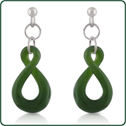 Carved from green Jade, the simple twist dangle earrings complement the twist pendant (item SP520525) to create a matching jewellery set.